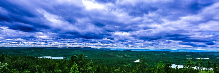 Heavy skies over the nature in Vestfold, Norway is such a great country to just watch it&#039...
