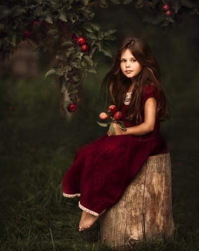 Apple girl