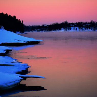 Early sunrise over the Rainy River and shelf ice Nikon D3400 supervivid