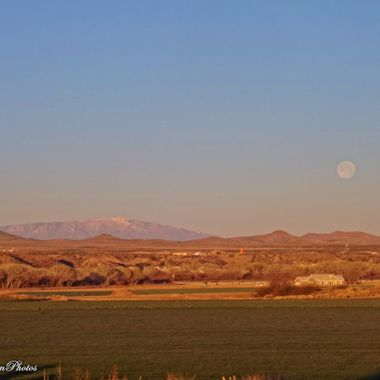 March full moon over Duncan