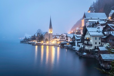 Hallstadt Winter Evening