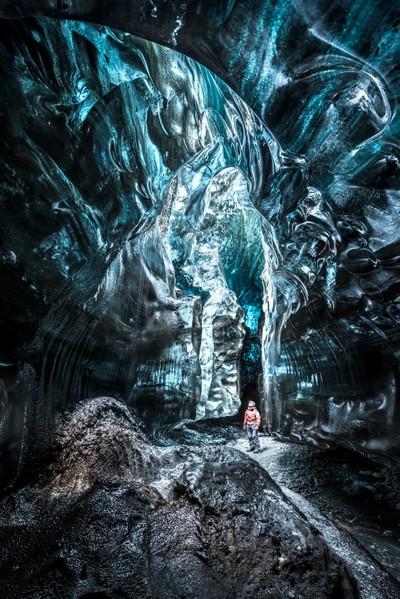 Exploring the alien world 500m inside the Breiðamerkurjökull glacier