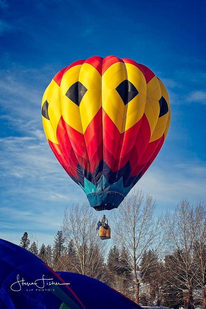 One of many Hot Air Balloons that took to the skies over Winthrop WA
