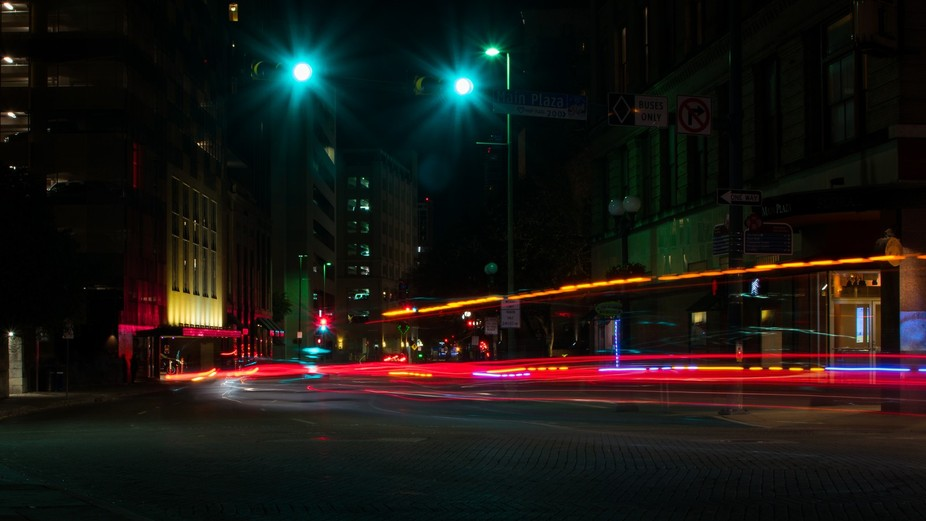 On an beautiful Wednesday night, I was fortunate enough to be able to explore downtown San Antoni...