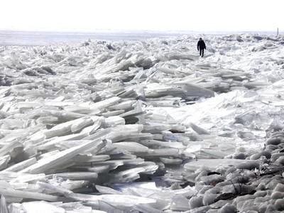 """Dutch """"ice-mountains""""..."""