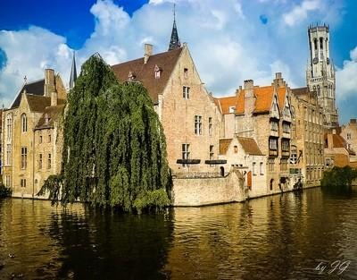 Exploring Brugge