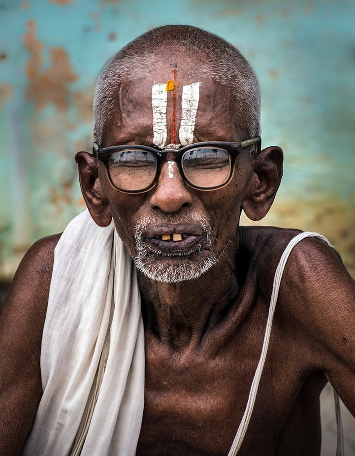 Hindu Monk by Crazy_Krasi - Male Portraits Photo Contest