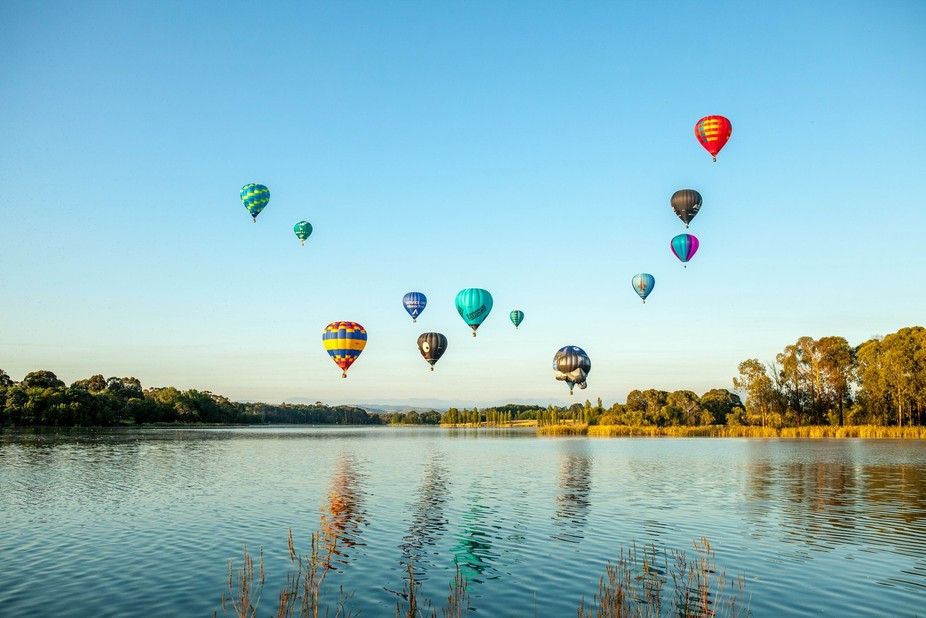 Canberra balloon festival - drifting over Lake Burley Griffin towards the arboretum.