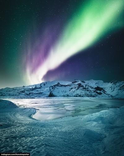 aurora borealis on jokulsarlon - iceland
