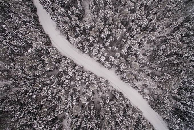 Wintry road by Tayxpole - Winter Roads Photo Contest