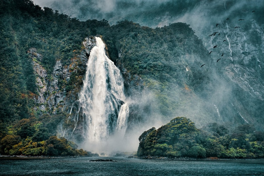 One of the many waterfalls along the beautiful Milford Sound.