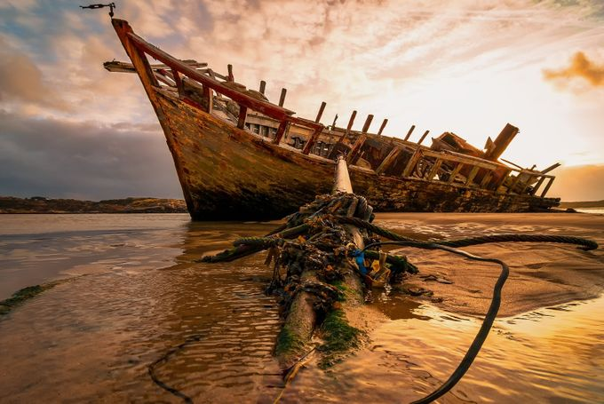 Distressed, Dismasted and Derelict. by photonblender - Abandoned Photo Contest