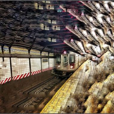 #subwayseries_nyc #fracturedphotography #fracturedfoto #picassoish #kaliedoscopicphotography #kaliedoscopic #subwaysofnewyork #tlwheatman