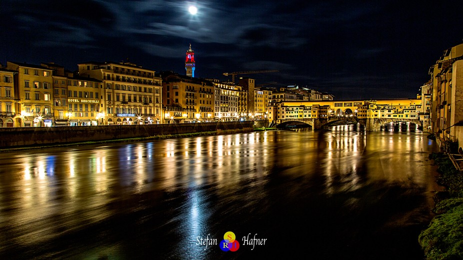 Ponte Vecchio in Florence in a wonderful night. I love the night in famous places like this when ...
