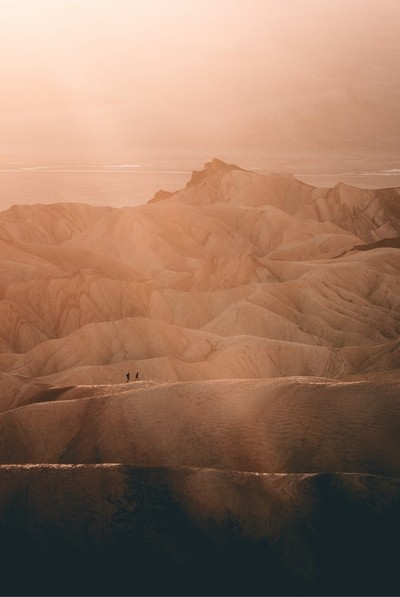 Death Valley. Instagram: @albakerphoto