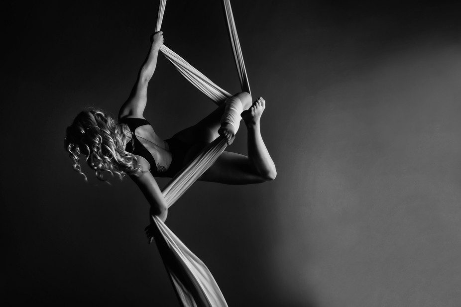 Aerial artist, Chantelle Murray in mid-flight, which is always beautiful to watch.