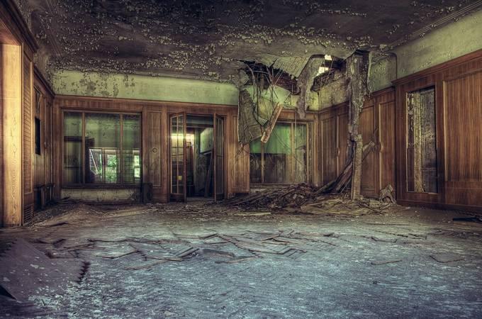 Broken by Zwischensequenz - Abandoned Photo Contest