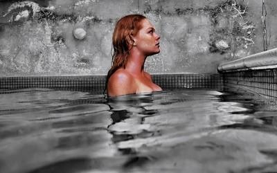 Swimming pool photo session