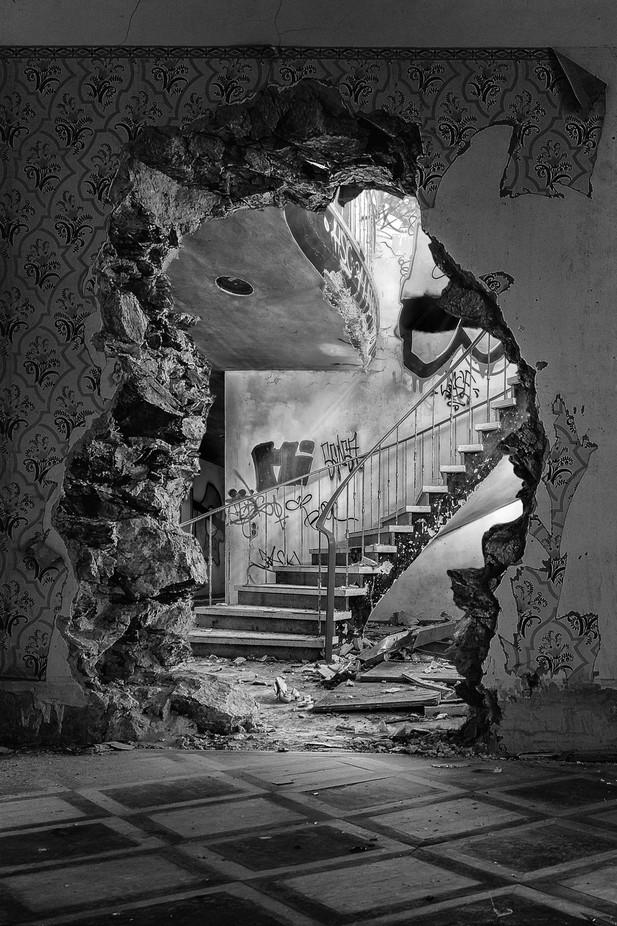 2018_DarMar_forgotten beauty 2 by DarMarWorld - Abandoned Photo Contest
