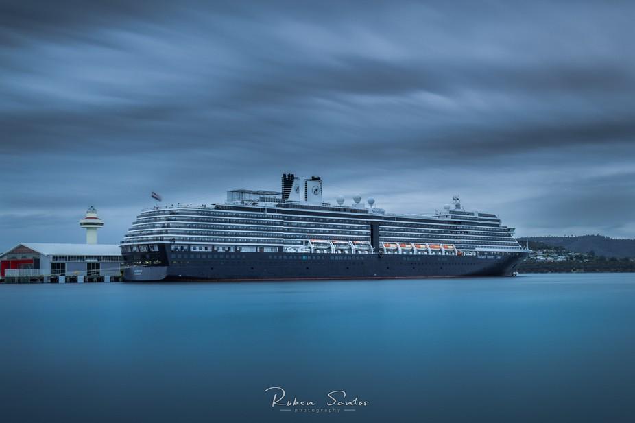 Long exposure at Hobart´s Waterfront. Cruise ship Holland American Line at Macquarie Wharf.