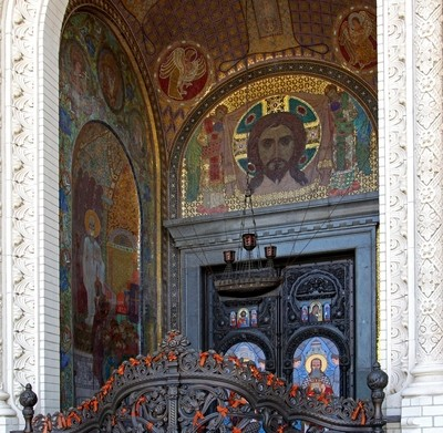 The naval Cathedral of St. Nicholas the Wonderworker (Stavropigial Nicholas Naval Cathedral of Kronstadt), St. Petersburg. Main entrance. Photo 11.