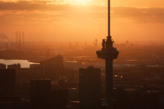 Tears of the Sun by vincentfennis - Sunset And The City Photo Contest