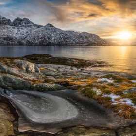 The first and unfortunately one of the only really beautiful mornings on my trip to the Lofoten beginning of this year. The golden light of the r...