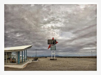 Oh my Roys  #timphotos #midcenturymodern #route66 #amboycalifornia #californiadreaming #desert #classic #mywork  #ontheroadagain #minimalism  #minimalist  #mimimalart  #fineartphotography  #tatemodern  #artphoto  #artoftheday  #artphotography  #everything