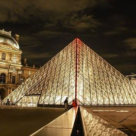 Musée du Louvre - Paris . . . . @museelouvre #muséedulouvre #musuem #louvre #evening #night #light #lights #cloudy #clouds #cloud #architecture...