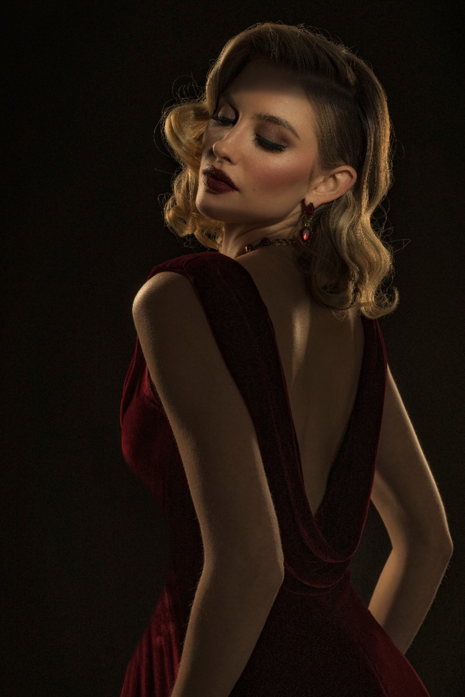 Glamour_Girl_in_RED by Carlotta - Fashion Statement Photo Contest