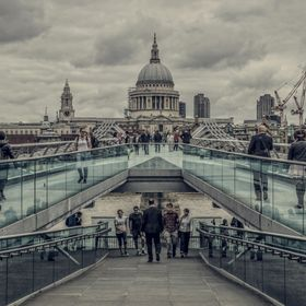 A creative iconic scene in HDR and a neutral auto chrome filter used.