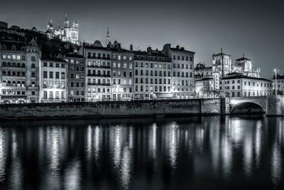 Lyon by night in B-W ...