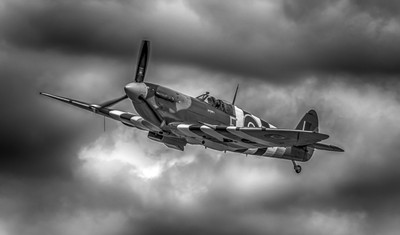 Spitfire in HDR
