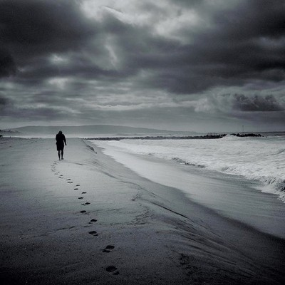 With a certain perspective, life looks a lot like a Hallmark card or a Kodak moment. . . . . . #landscapephotography #blackandwhitephotography #bnw_planet #bnwphotography #elsegundo #california #fujifilm_street #fujifilmx30 #beach #beachlife #gundo_photos