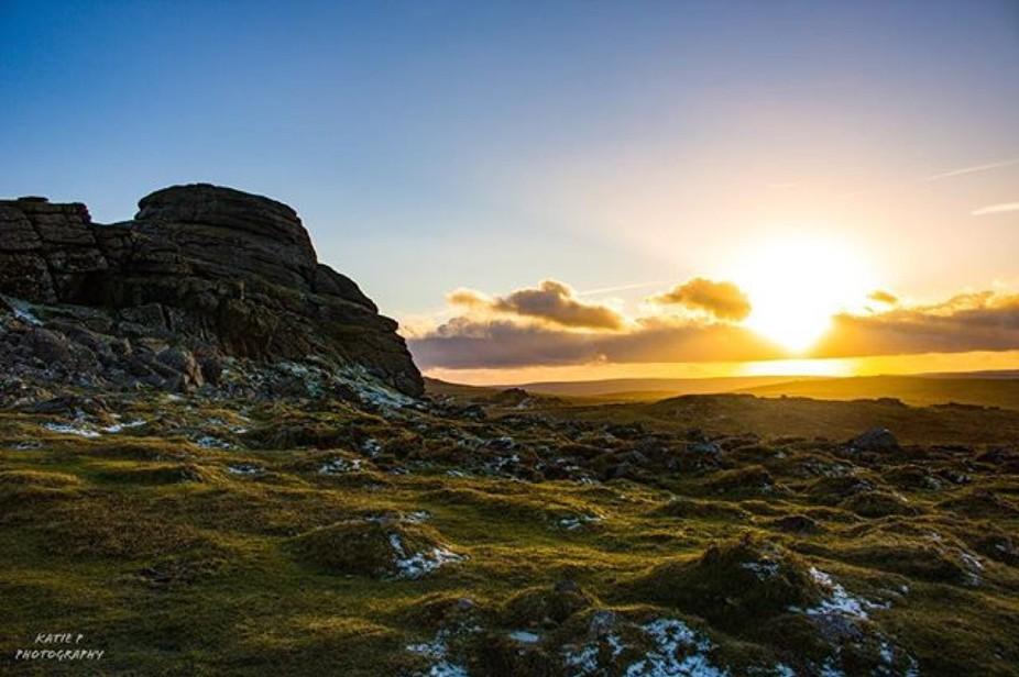 Gorgeous sunset at Haytor, Dartmoor Country Park #dartmoor #haytor #canon #canon750d #amateurphot...