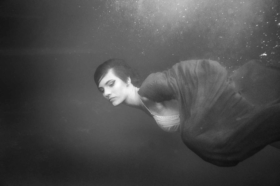 An underwater shoot with Noni.