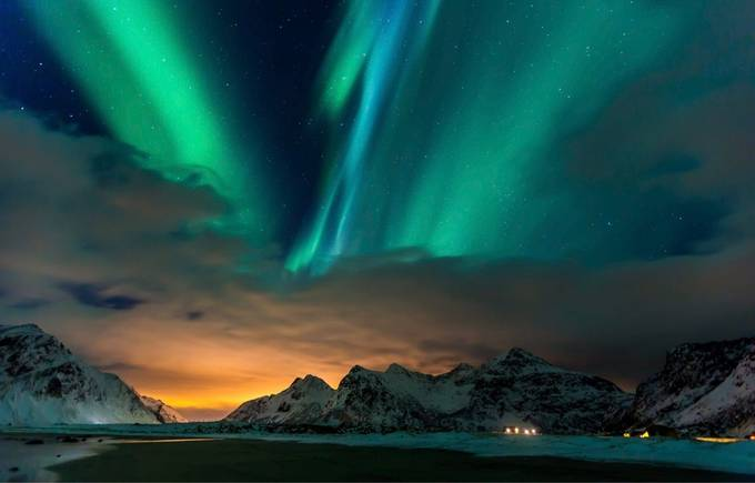 Aurora over Flagstad | Lofoten by studioviersieben - The Night And The Mountains Photo Contest