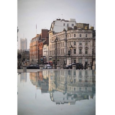 Early morning Trafalgar Square reflection . . . . #London #londoner #london???????? #londonist #londonlife #trafalgarsquare #tourist #tourism #visitengland @visitlondon @visitengland #visitlondon #reflection #reflections #reflectingpool #city #buildings