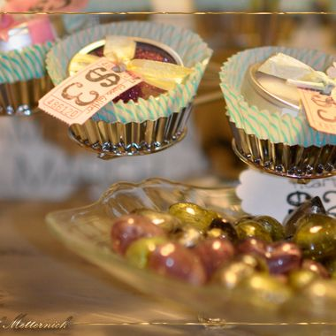 Cupcakes and Baubles w logo