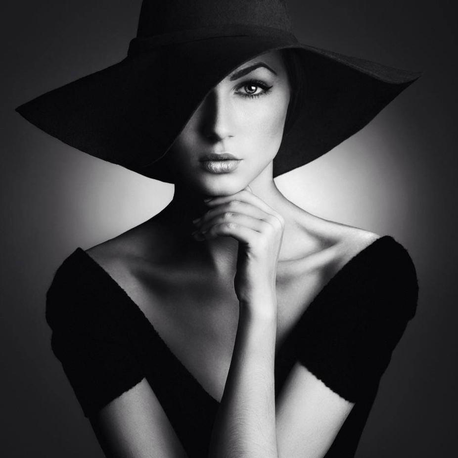 1142fscr5rf5553fwc5523wf png by matthewaraneta black and white female portraits photo contest