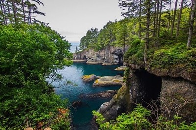 Arrr matey, ye want t' find treasure aye ... well though shall be killed if ya try ... savvey? ☠️ Dead men tell no tales! ☠️ • Cape Flattery in Washington state ... #capeflattery #neahbay #usa #roadtrip #teamcanon #leefilters #worldprime #planetwanderlust