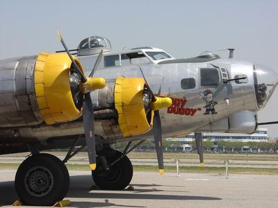 "B-17 Flying Fortress ""Fuddy Duddy"" JLA108"