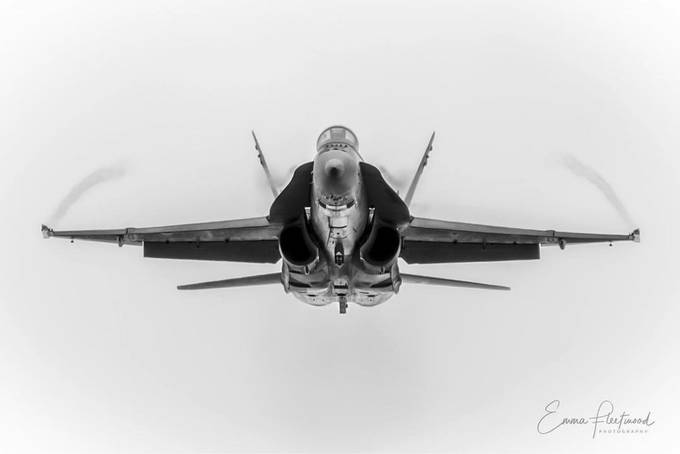 Wave to the pilot by emmafleetwood - Fast Photo Contest