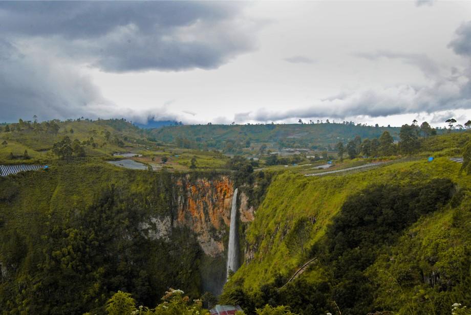 it looks like UP movie waterfall..
