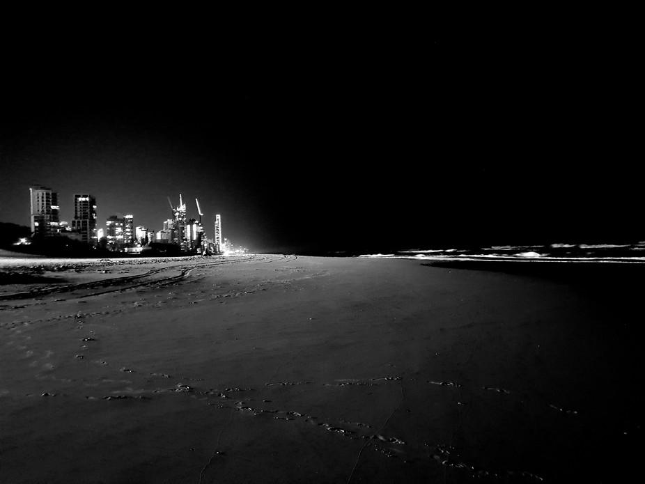 Brisbane night walk along the beach