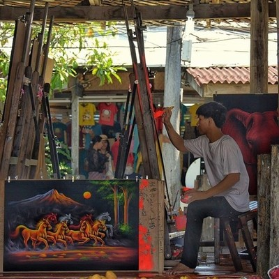 Pattaya Floating Market...Life at floating market...Artist at work