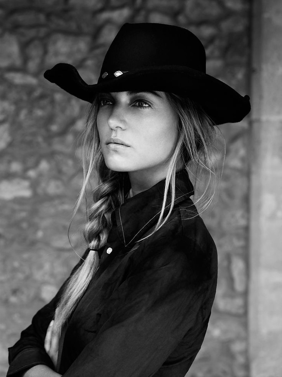 #GoneCountry by kristyoliver - Black And White Female Portraits Photo Contest