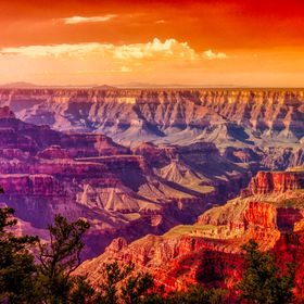 Sunrise over the Grand Canyon in Arizona.
