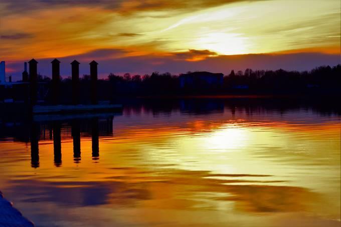 Sunset from Voyageurs Nat'l Park Headquarters Nikon D3400 Supervivid