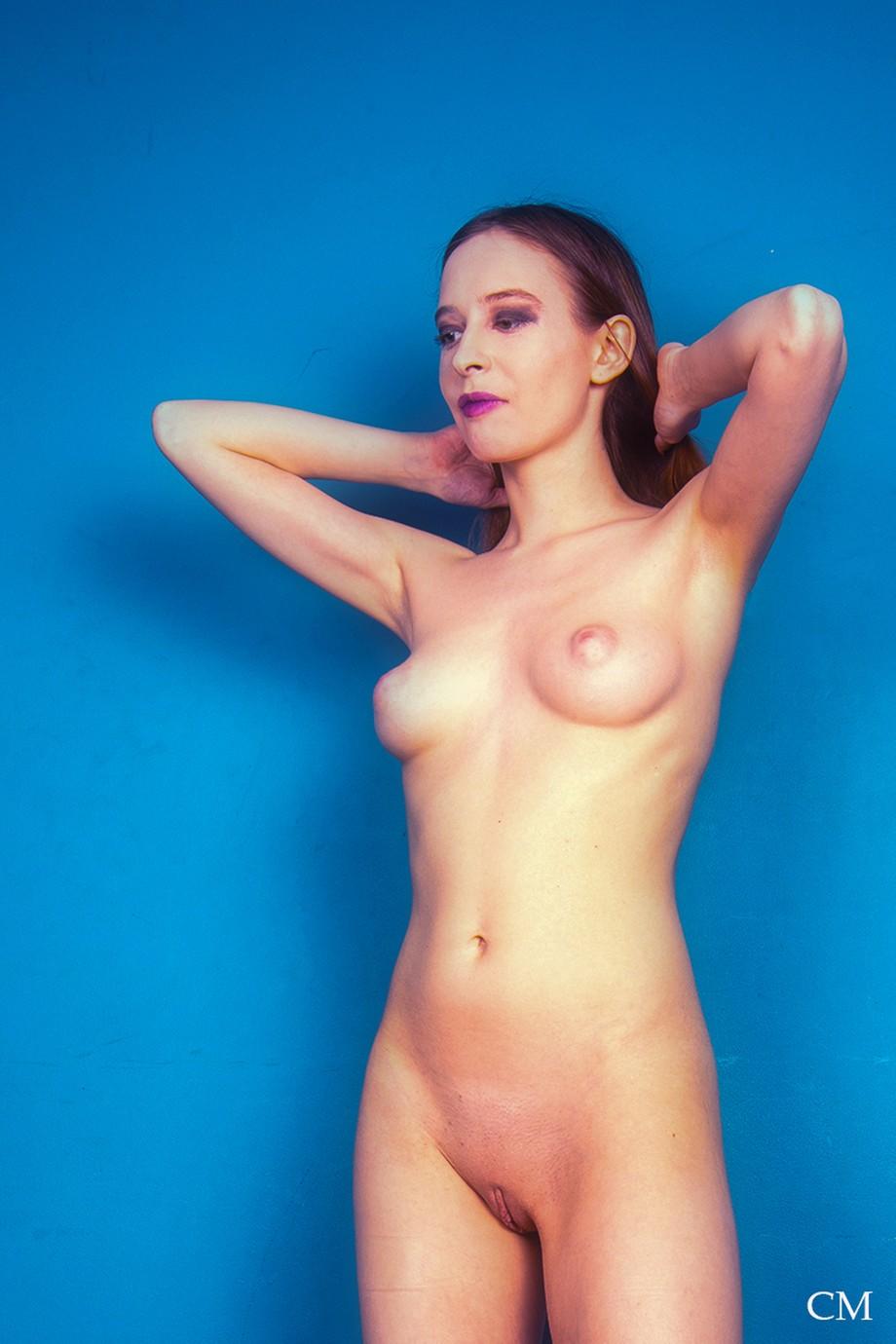 Simple Nude